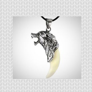 Other - Vintage inspired Wolf charm necklace NWT